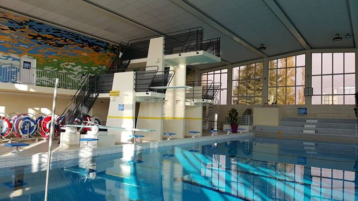 Piscines Et Sites Amenages Avec Installations De Plongeon En France